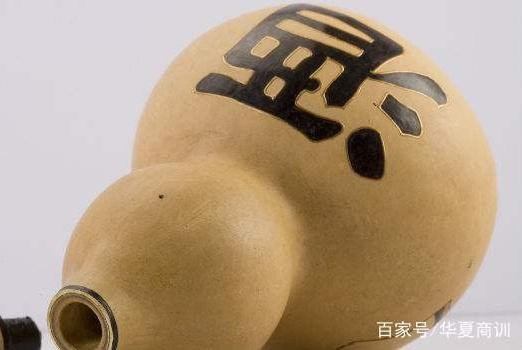 """江小白营收超10亿却""""被喊救命"""":""""李鬼门""""后真要救命?"""