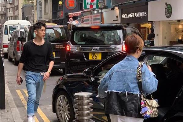 柯震东找好友排忧?与陈柏霖房祖名现身香港街头,兄弟情依旧长存