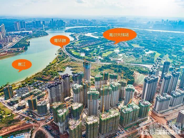 项目背靠著名风景区青秀山,600米左右为李宁体育园,社区南面为邕江和