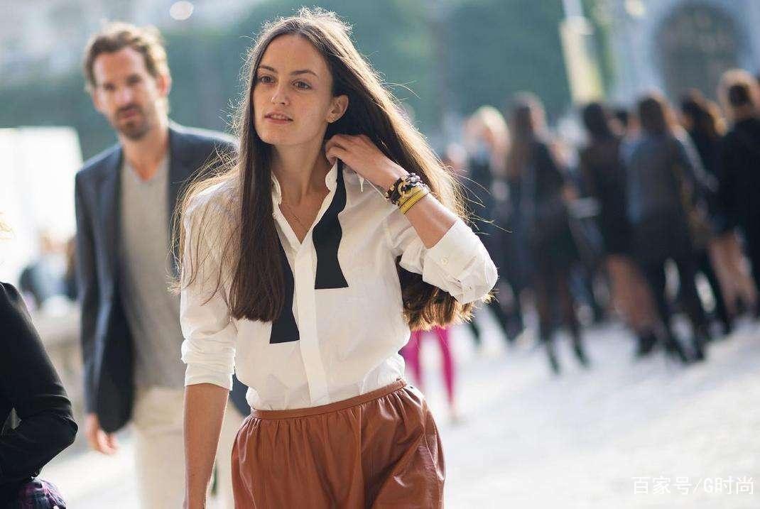 用简单基础款的白衬衣 穿出清新恬淡的时髦范