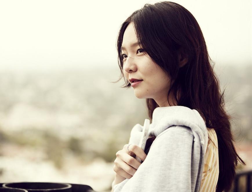 模特选秀节目冠军出身,韩国新生代演员,入围青龙奖最佳女演员奖