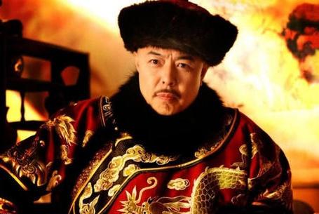 清朝皇帝御赐猪肉,为啥大臣出门就扔,此人每次却吃得意犹未尽?