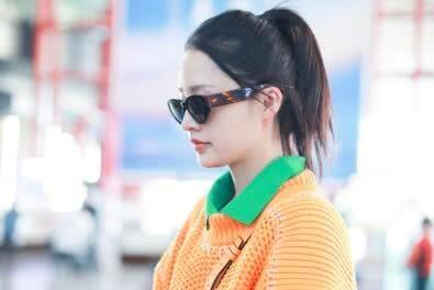 """李沁真会玩!把""""橘子""""穿在身好个性,与颖宝穿同款美得难分上下"""