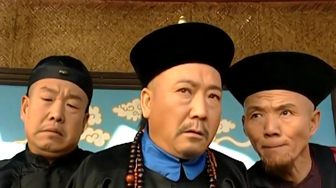 李卫当官:李卫假冒钦差被认出,两个奴才的出现,让他变成真钦差