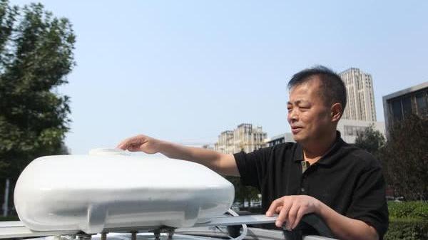 郑州退休老人痴迷发明,申请专利122项,其中22项获专利证书