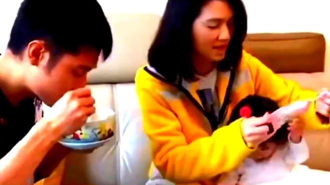 洪欣张丹峰的小女儿要开始学普通话啦 小宝宝实在是太萌啦