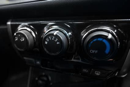 汽车开空调时风速不同影响油耗吗?