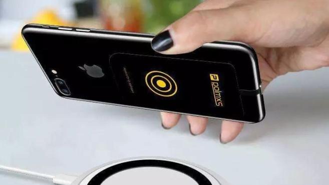 """这款手机""""爆品""""炒了2年,但苹果却宣布:不卖了……"""