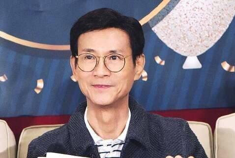 72岁郑少秋颜值被赞,出道近50年成传奇,与沈殿霞的婚姻展露性格