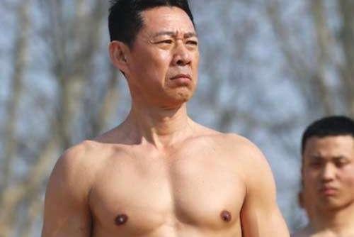 63张丰毅与妻子近照曝光,娇妻颜值高气质佳,被指撞脸王祖贤