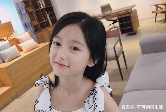 权律二人气竟不比裴佳欣?几张图片告诉你,还是中国女孩可爱