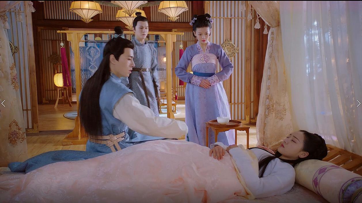 明月照我心:小王爷顺利出生,李谦激动当众狂亲明月:王妃辛苦了
