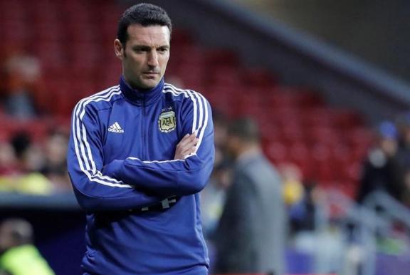 阿根廷主帅:机会都仰仗于梅西的突破 其他球员需多做贡献