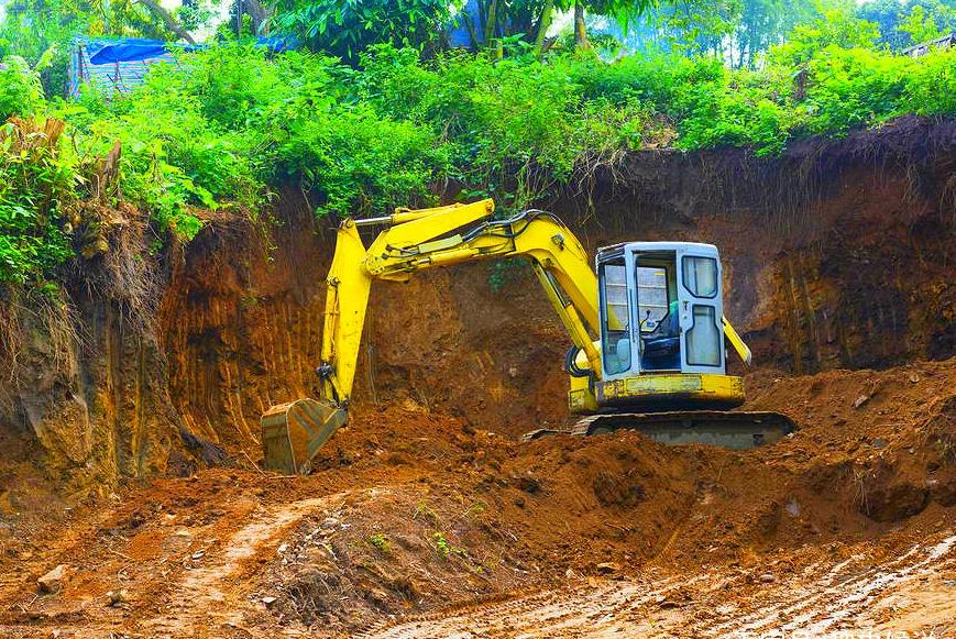一座古墓,专家三次否定,此人下令挖掘,发现千年宝藏
