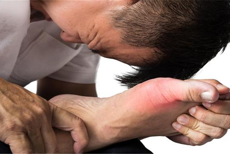 尿酸高的人,3种食物别往嘴里放,多吃一口,痛风可能慢慢靠近