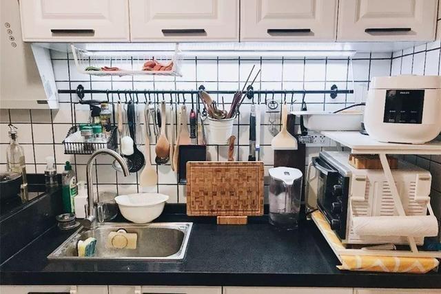 24㎡膠囊房改造案例臥室廚房衛生間樣樣都有鄰居看了