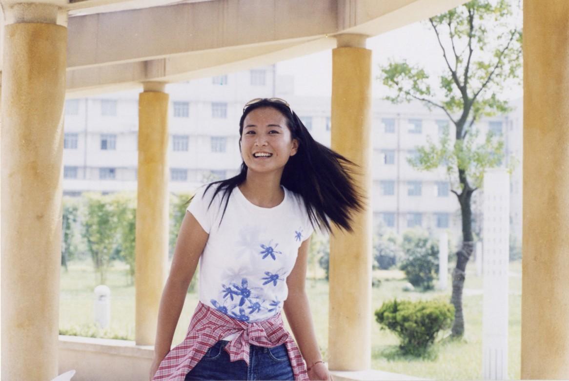 贾玲,了解她的都知道,贾玲以前是很瘦的,不知什么原因,变得很胖,之后图片
