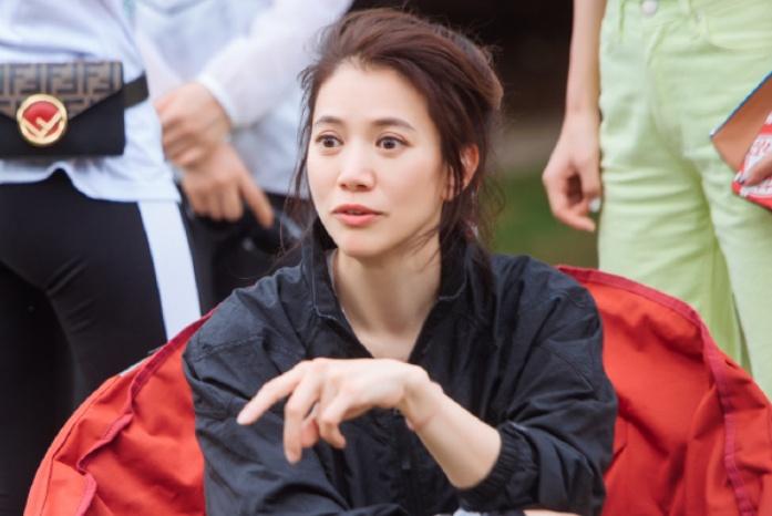 47岁袁咏仪为何保养的那么好?看她起床后做的第一件事就懂了