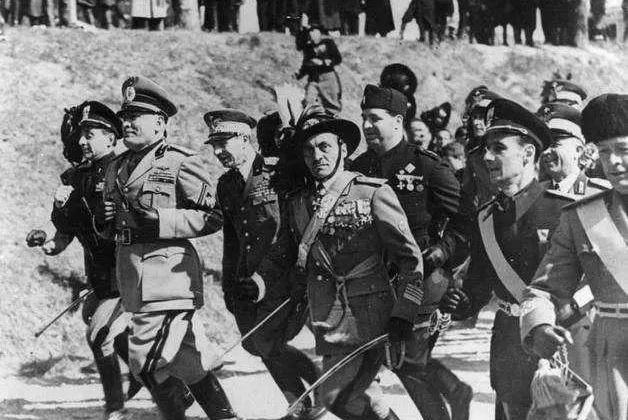 二战中最逗的国家,建立战俘营把自己关进去,投降都没人搭理