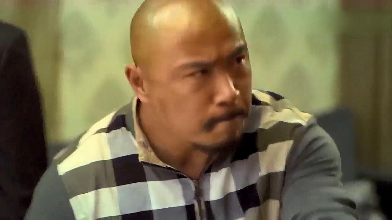 黑社会大哥在麻将馆闹事,不料新来的经理不好惹,这回精彩了
