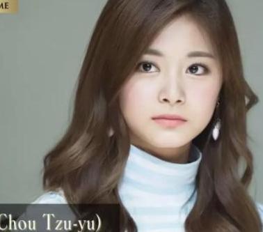 """19岁获封""""亚洲最美"""",15天3次上韩国热搜榜,一举一动都成新闻"""