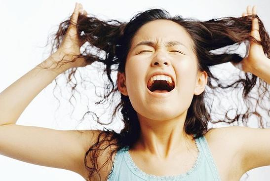 女人月经有黑色血块是为什么?尽量不要担心,可能和这个因素有关