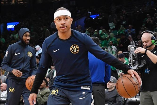 养眼!小托马斯穿的 Nike Kobe AD 绿军配色太帅了