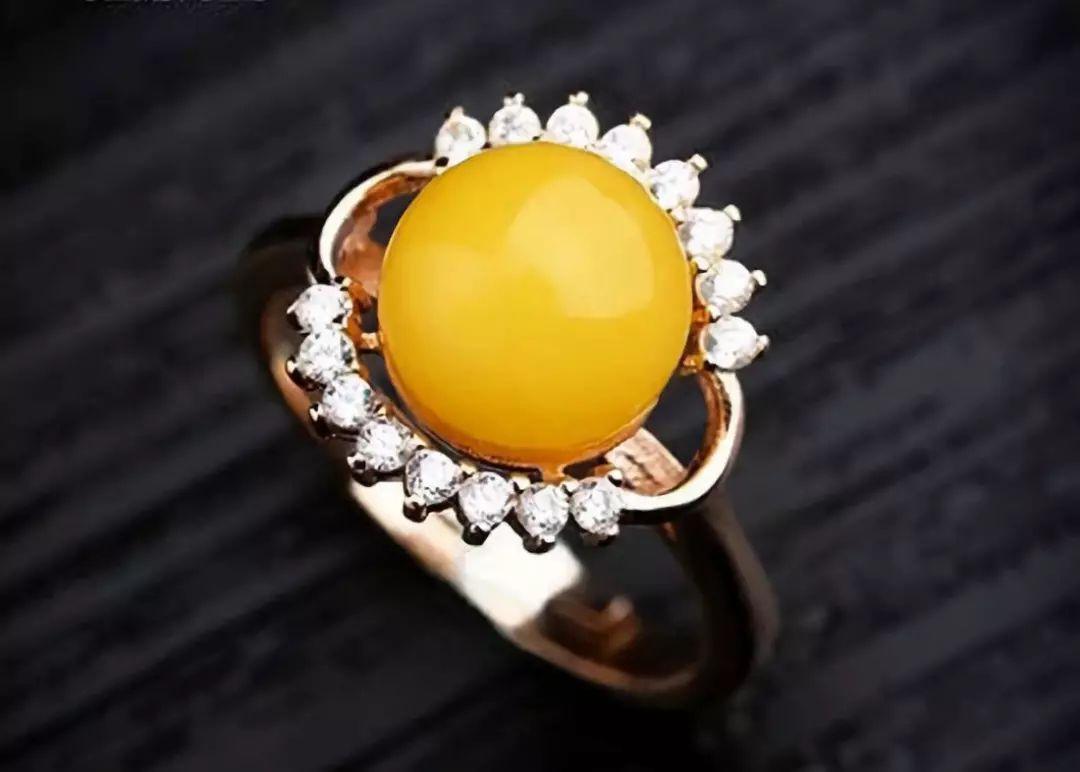 925银镶嵌琥珀蜜蜡戒指
