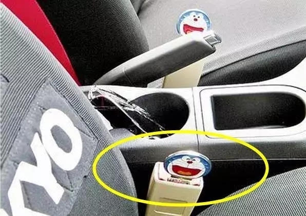 如果你在没有系好安全带的时候的爱车会发出警报,有一些汽车配件生产