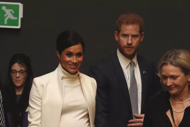 梅根和哈里王子又一自私行为,惹怒王室员工,获新绰号