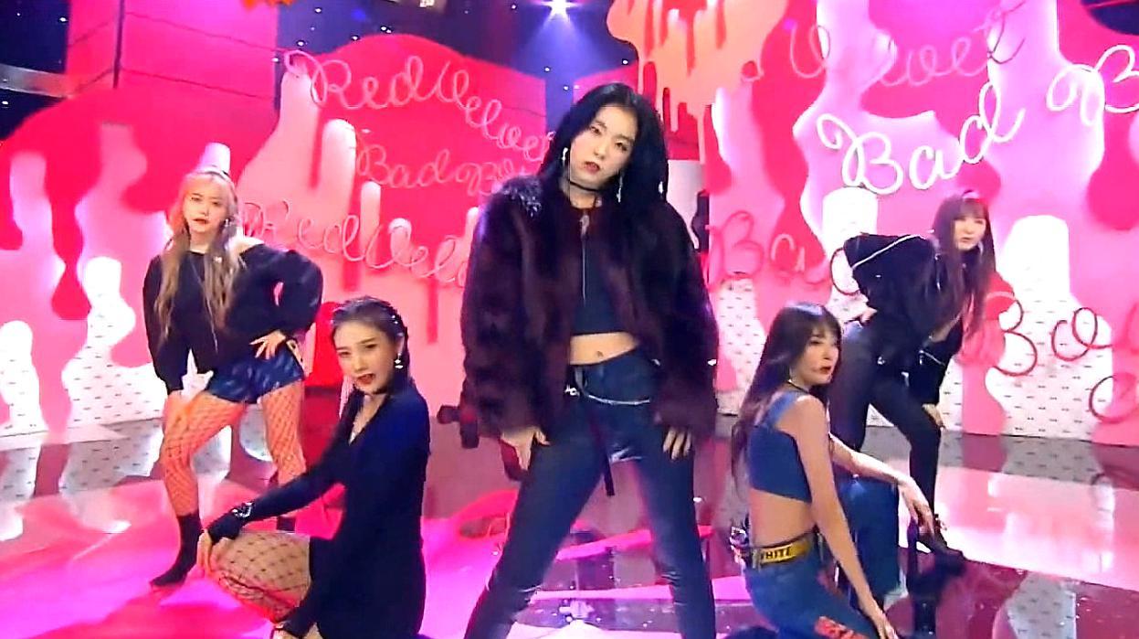 Red Velvet《Bad boy》换装打歌舞台,红贝贝太会撩了