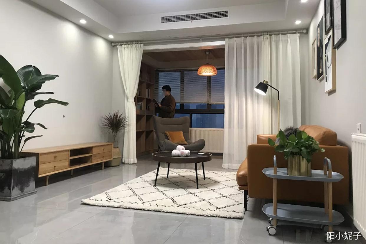 新房装修完工,电视墙不做任何造型,效果还不错,迫不及待晒晒!