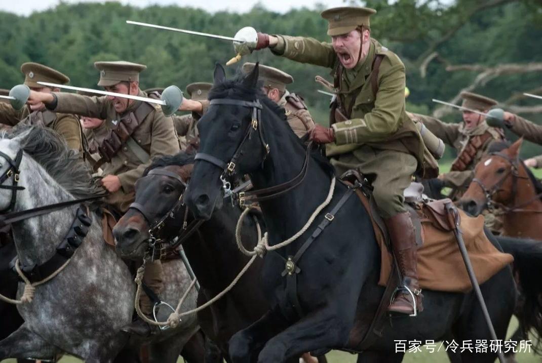 不开刃就能对步兵一击必杀!实战解析英军最后一款骑兵刀