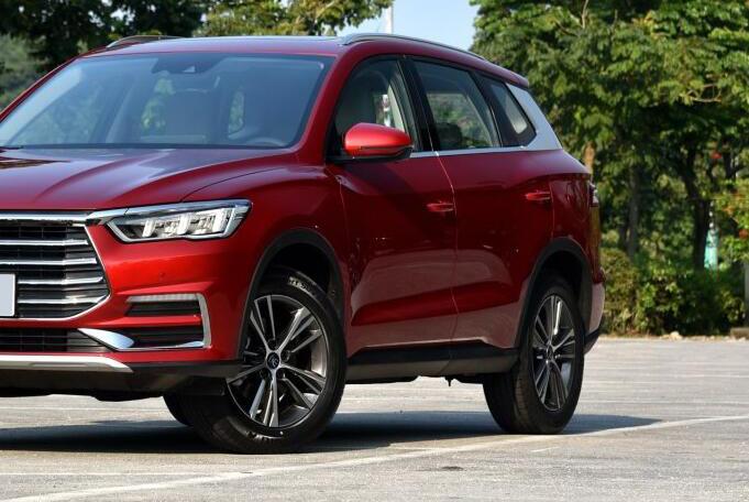 又一龙颜SUV,硬派外观,尺寸超H6,双屏联动,或12万起还看啥CRV