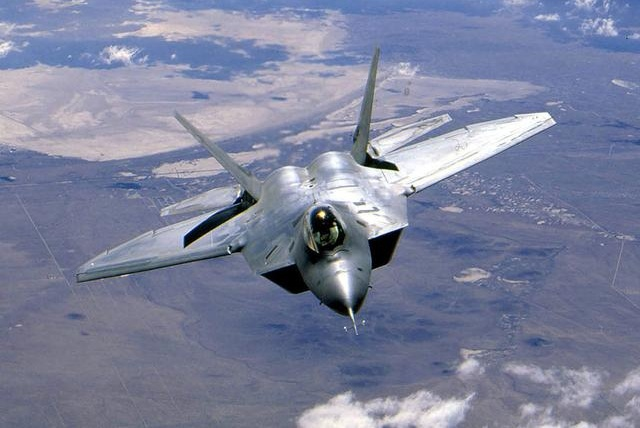 世界第一空军名不虚传,24架最先进五代机倾巢而出,场景太震撼