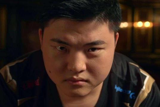 RNG经理宣布辞职,资历比Uzi还老,热评第一却对他破口大骂!