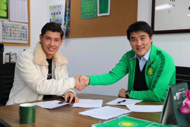 国足掀起归化热潮,24岁武汉外援被公认将取代埃神,成最佳人选!