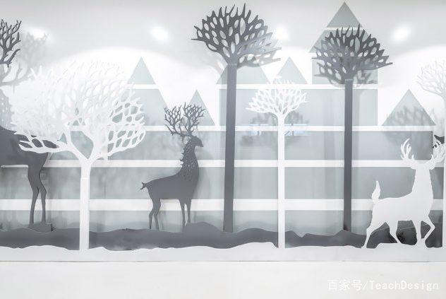 灵感来自于九色鹿的树木与动物剪影保护着背后的儿童的天使乐园.