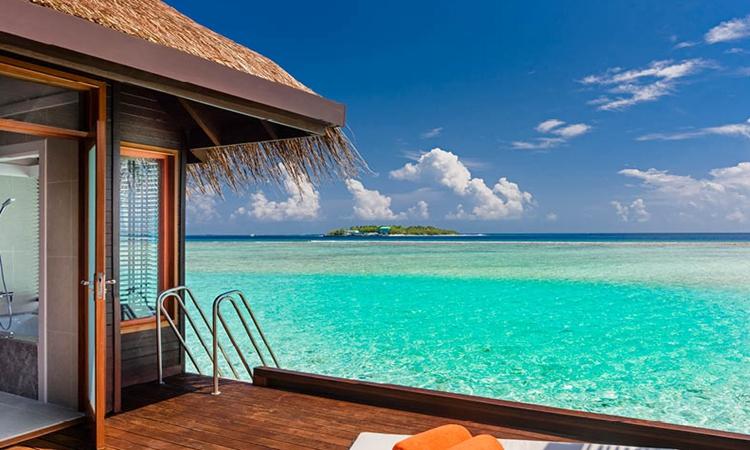 图中的海边风景动人心魄,真是视觉上的享受.