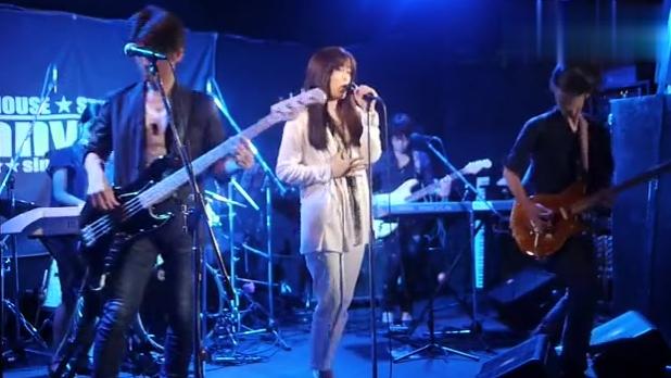 神似坂井泉水的日本女歌手翻唱灌篮高手主题曲《直到世界尽头》