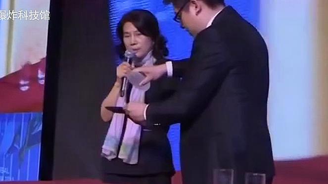 回顾:董明珠:我现在手头紧,借5个亿,王健林:10个亿到账了