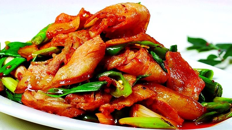 回锅肉的家常做法,学会这样做,开胃又下饭,真是太香了
