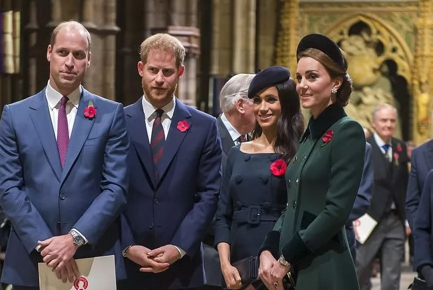"""梅根不愿给孩子起名""""戴安娜"""",再次挑战王室权威,女王忍无可忍"""
