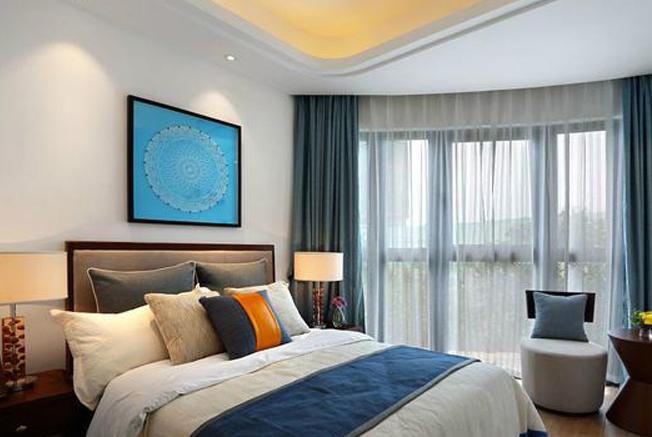 """卧室装修,这""""2种""""床别买了,不实用浪费钱,坑大了"""