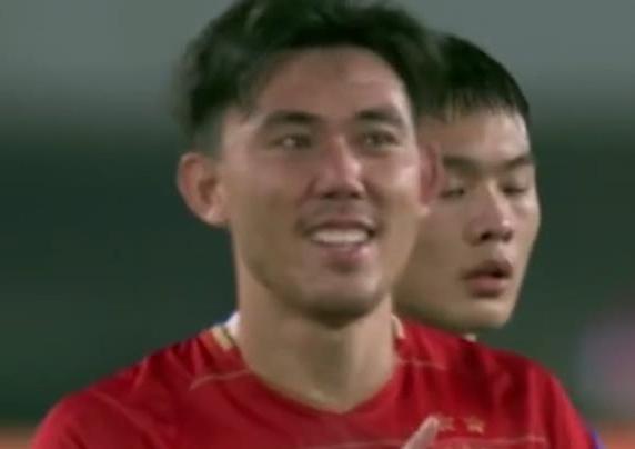 30岁中国第1国脚左后卫复出:恒大组最强本土后防线!