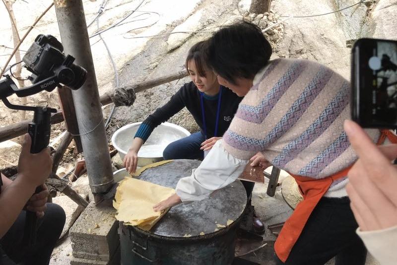 走进椿树沟煎饼文化馆 打卡红色美食历史胜地