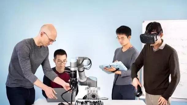 UC伯克利大牛Pieter Abbeel发布最新机器人,专为AI设计