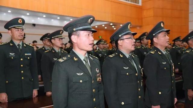 刚刚,73集团军40多名新晋高级士官,震撼来袭!