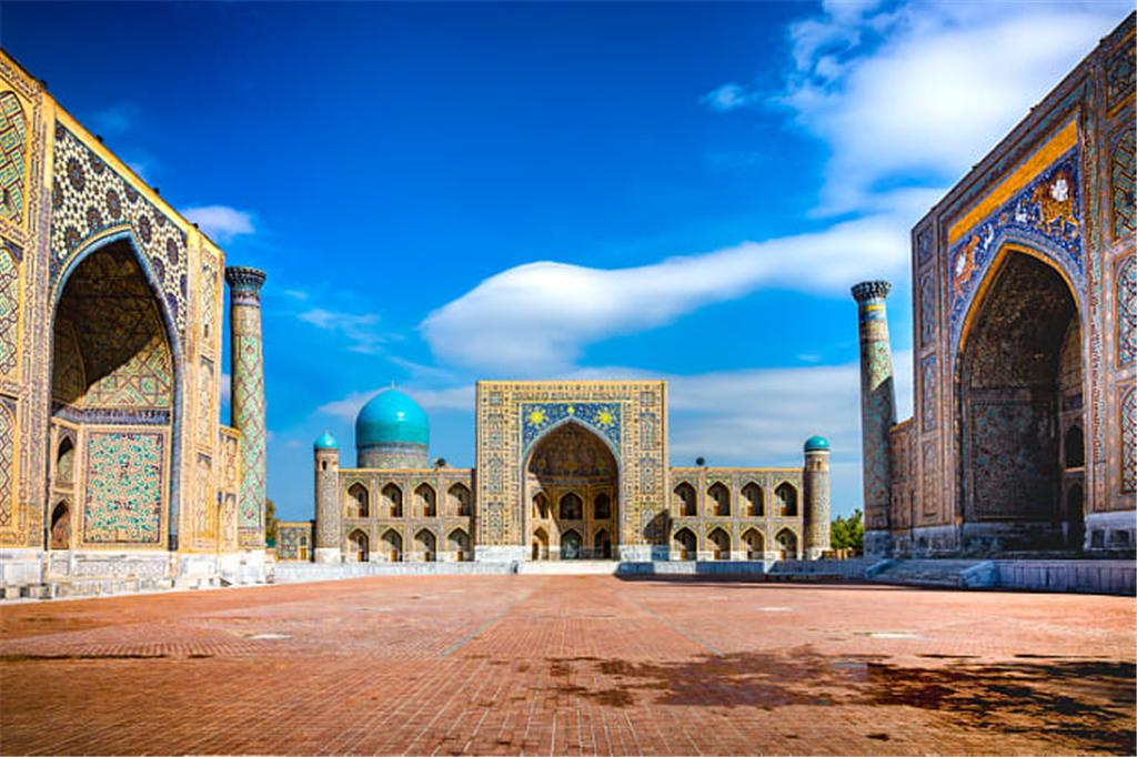 乌兹别克斯坦这个中亚内陆国家的经济地位