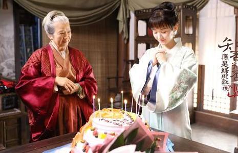 《知否》明兰婚后回门,俩人与祖母互动,实在太感动!